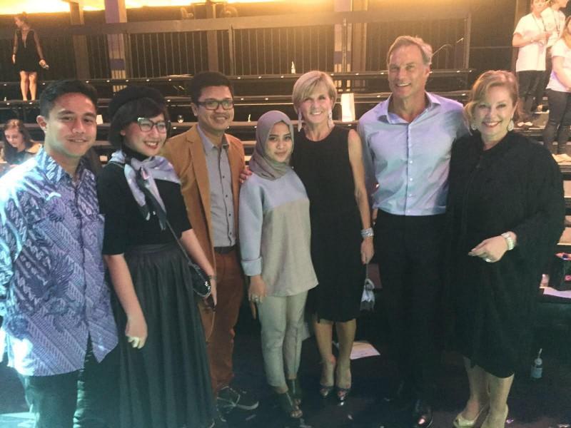 ETU meet VIPs ahead of Virgin Australia Melbourne Fashion Festival runway show